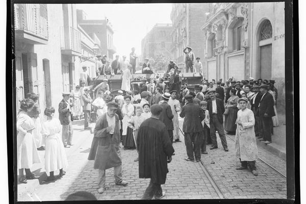 Setmana Tràgica. Barricada al carrer Torrent de l'Olla Barcelona, 1909